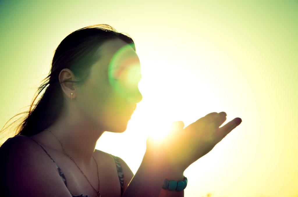 Femme spirituelle ayant des vision sur son avenir